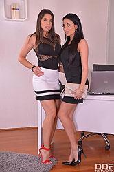 Zafira & Anissa Kate